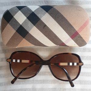 💝Authentic Burberry sunglasses